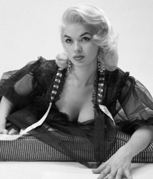 Jayne Mansfield - Nightgown by