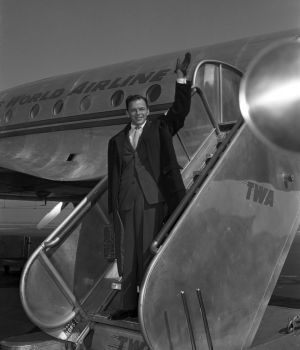 Frank Sinatra on TWA at La Guardia Airport, NYC by